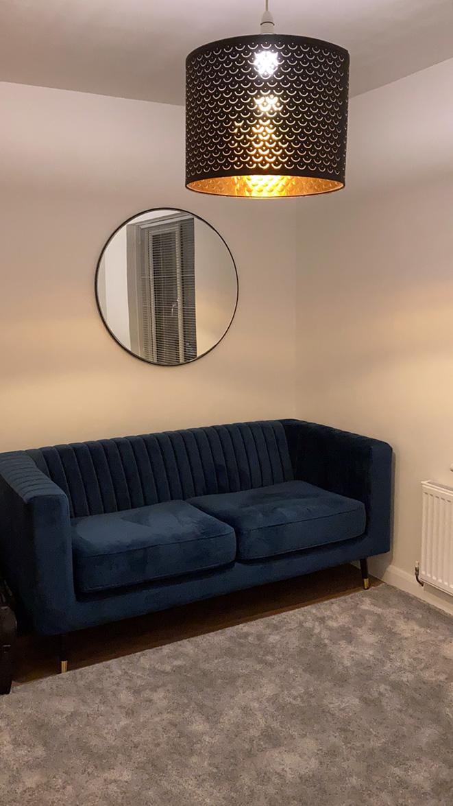 Marineblaues Slender-Sofa von Ilona