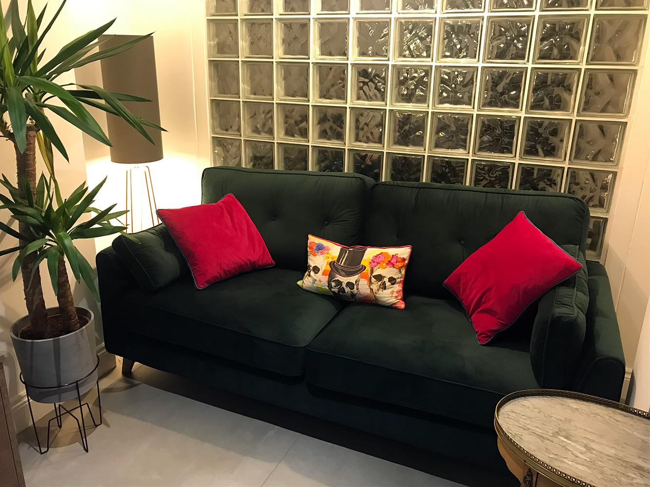 Grünes Magnus-Sofa von Kevin